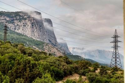 Тучи цепляются за горы