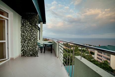 Приятно на балконе посидеть